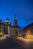 Aachen domkyrka med blå himmel för natt Royaltyfria Bilder