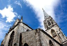 Aachen domkyrka mot himlen i Tyskland Arkivbild