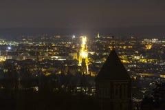 aachen historisk cityscape på natten Arkivbilder