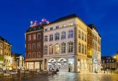 Aachen-Marktplatz nachts, redaktionell Stockbild