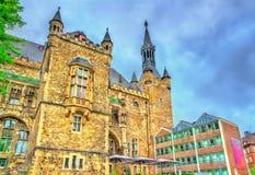 Aachener Rathaus, a câmara municipal de Aix-la-Chapelle, construída no estilo gótico germany Fotos de Stock Royalty Free