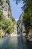 Aacheron jaillit gorge Images stock
