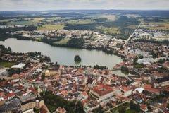 AAerialmening van stad Jindrichuv Hradec in Zuid-Bohemen, Tsjechische Republiek stock fotografie