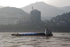 Aak op de Yangtze-Rivier stock foto's