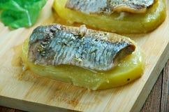 Aal mit Ofenkartoffeln Stockbild