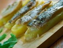 Aal mit Ofenkartoffeln Lizenzfreies Stockfoto