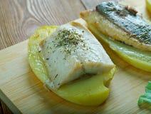 Aal mit Ofenkartoffeln Stockfotografie