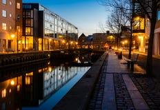 Aalborg afton i den blåa timmen Arkivfoto