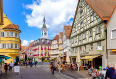 AALEN,德国, 9月 2015年:主要城市广场 传统德语 库存照片