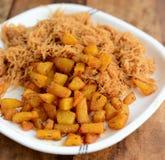Aaloo de Seviyan - Vermicilli com batatas fritadas Foto de Stock