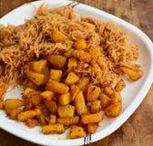 Aaloo de Sewiyan - Vermicilli avec les pommes de terre frites Photo stock
