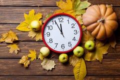 Aalrm klocka och pumpa Fotografering för Bildbyråer