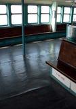 Aan boord van het schip -- De lege Veerboot van het Eiland Staten in gebruik in de Stad van New York Stock Foto's