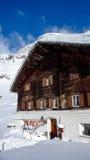 Aan de lucht gedroogd rundvlees schokkerig voor een Zwitsers Chalet in de winter royalty-vrije stock afbeeldingen