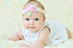 Aanbiddelijk babymeisje Stock Fotografie