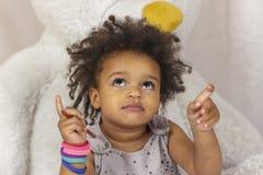 Aanbiddelijk jong geitje met mooie ogen die benadrukken royalty-vrije stock fotografie