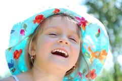 Aanbiddelijk lachend meisje royalty-vrije stock foto's