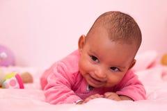 Aanbiddelijk weinig Afrikaans Amerikaans babymeisje royalty-vrije stock fotografie