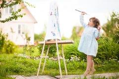Aanbiddelijk weinig schilder Royalty-vrije Stock Foto's