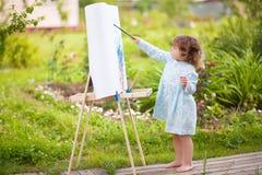 Aanbiddelijk weinig schilder Royalty-vrije Stock Afbeeldingen