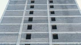 In aanbouw de bouw en bouw kraan met meerdere verdiepingen De mening van de close-up stock video