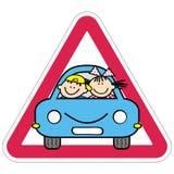Aandacht, jonge geitjes op de auto Rood driehoekskader vector illustratie