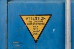 Aandachtsteken op container Royalty-vrije Stock Foto