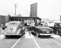 Aandrijving-in restaurant het 'Spoor', Los Angeles, CA, 10 Juli, 1948 (Alle afgeschilderde personen leven niet langer en geen lan Stock Afbeeldingen
