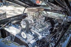 Aangepaste getoonde spiermotor van een auto Stock Afbeeldingen