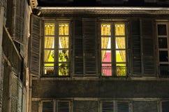 Aangestoken venster Stock Afbeeldingen