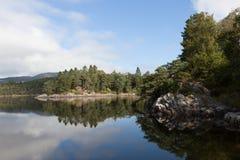 Aangewezen Grieg Op de kust van het meer is gevestigde Nurdos-manor Troldhaugen noorwegen stock foto