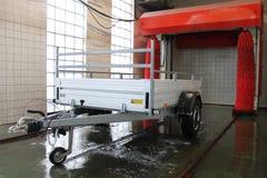 Aanhangwagen met carwash Stock Afbeelding