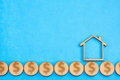 Aankoop en verkoop van huisvesting - Blauwe achtergrond stock illustratie