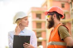 Aankoop van bouwmaterialen Bouwnijverheid Succesvol Overeenkomstenconcept  stock fotografie