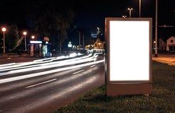 Aanplakbord in de stadsstraat royalty-vrije stock fotografie