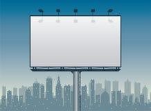 Aanplakbord en de stad Royalty-vrije Stock Afbeeldingen
