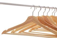 Aantal lege hangers na belangrijke sell-off in de opslag Royalty-vrije Stock Fotografie