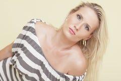 Aantrekkelijk blond model royalty-vrije stock foto
