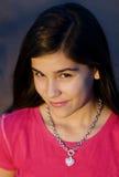 Aantrekkelijk glimlachend meisje stock fotografie