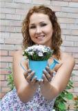 Aantrekkelijk jong meisje Royalty-vrije Stock Foto's