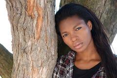 Aantrekkelijk jong zwarte met lang haar royalty-vrije stock foto's
