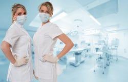 Aantrekkelijk medisch team Stock Afbeeldingen