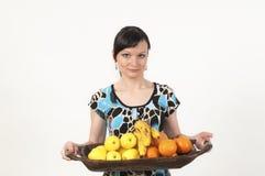 Aantrekkelijk meisjesportret met vruchten Stock Foto