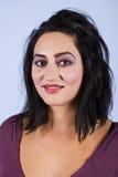Aantrekkelijke donkerbruine vrouw Royalty-vrije Stock Afbeelding