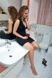 Aantrekkelijke gedronken vrouw met wijn stock foto's