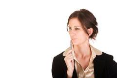 Aantrekkelijke Kaukasische bedrijfsvrouw in gedachte Stock Foto