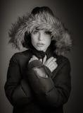 Aantrekkelijke Kaukasische vrouw in haar die 30 op a wordt geïsoleerd Stock Foto
