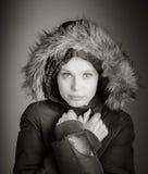 Aantrekkelijke Kaukasische vrouw in haar die 30 op a wordt geïsoleerd Stock Foto's