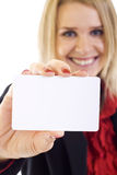 Aantrekkelijke onderneemster die een lege kaart houdt Stock Foto