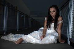 Aantrekkelijke Russische Kaukasische donkerbruine vrouw royalty-vrije stock afbeeldingen